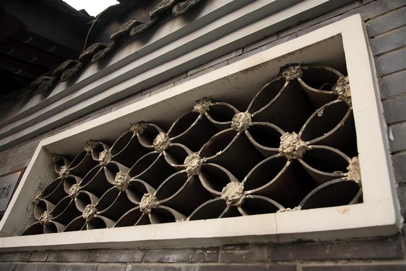 除了川西傳統民居,也有許多中西合璧建築錯落其中。